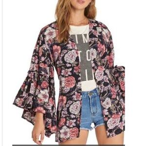 🚫SOLD🚫Billabong All Flored floral kimono size